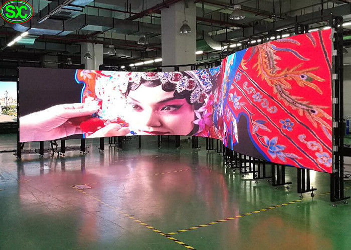 P2.5 Flexible LED Screen RGB 3 In 1 160000/M² Pixel Density 2121 Lamp Size